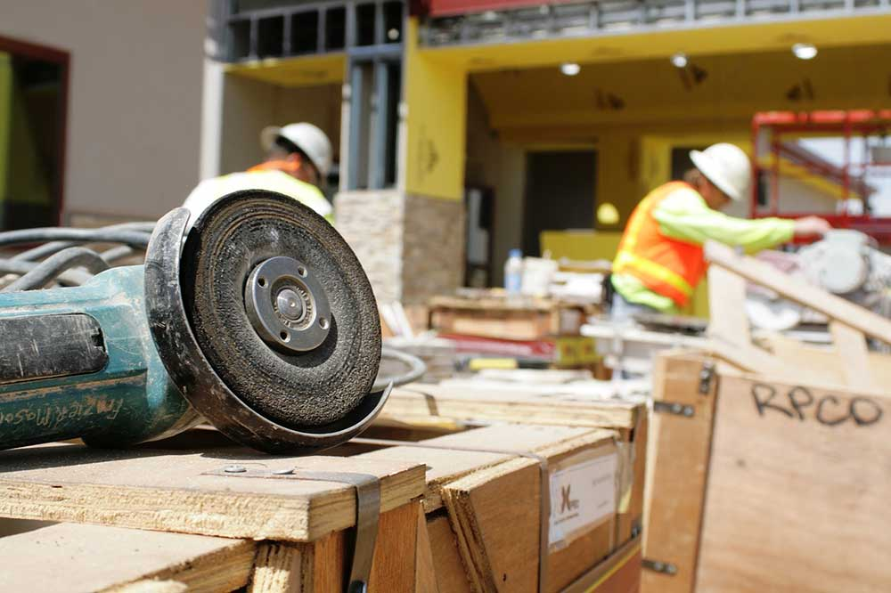 Five Key Things to Look for in a Contractor
